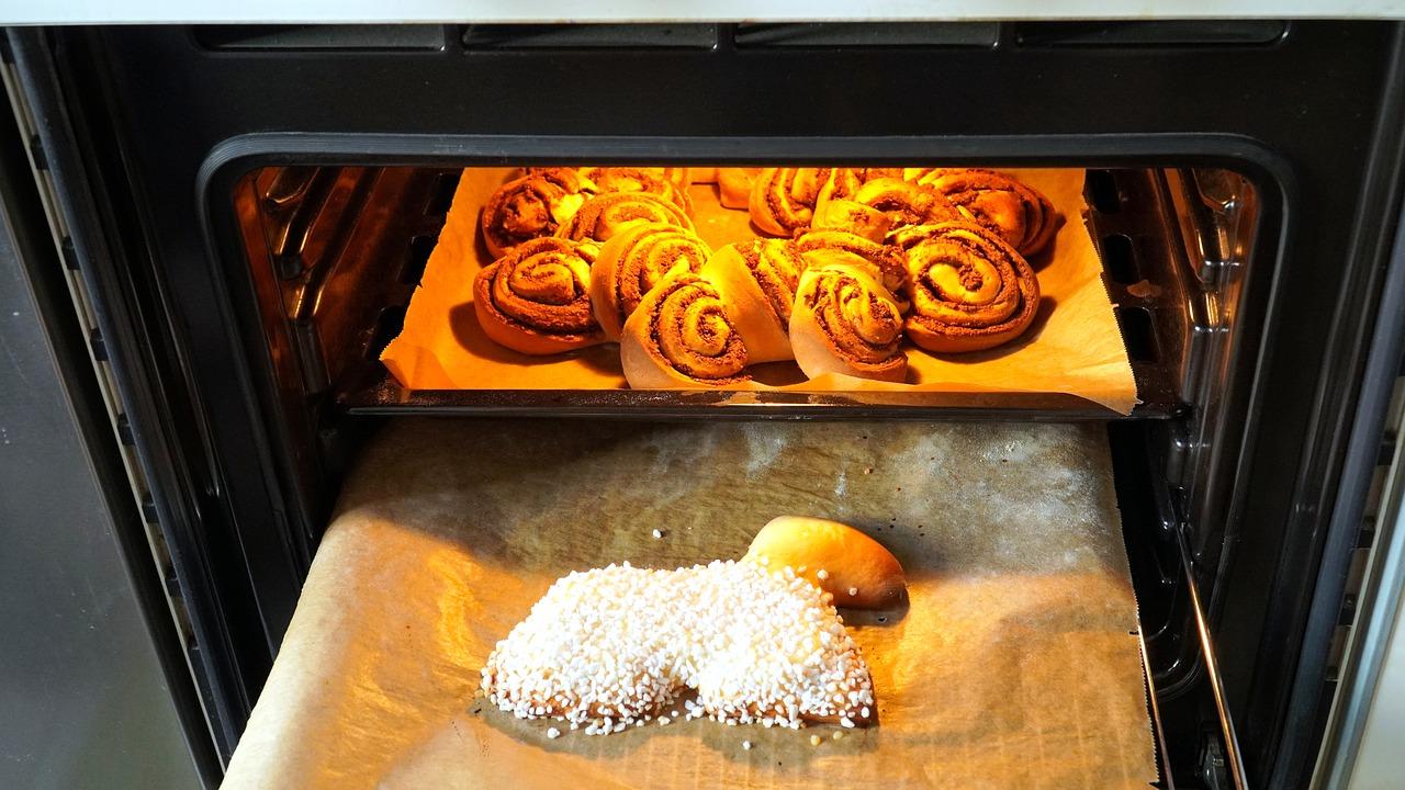 Piekarnik zbyt mocno się nagrzewa. Dlaczego?